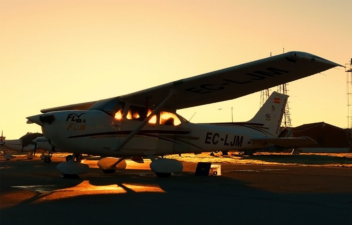 cessna Fly and Fun amanecer